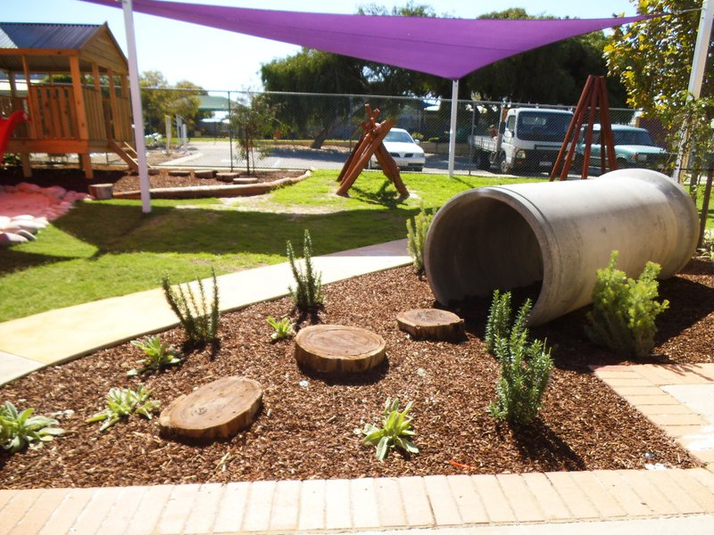Nature playgrounds perth landscaping for Landscape architecture courses perth